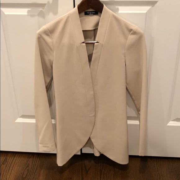 Jackets & Blazers - Fitted Long Fashion Blazer